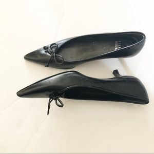 Stuart Weizmann kitten heel black leather pumps